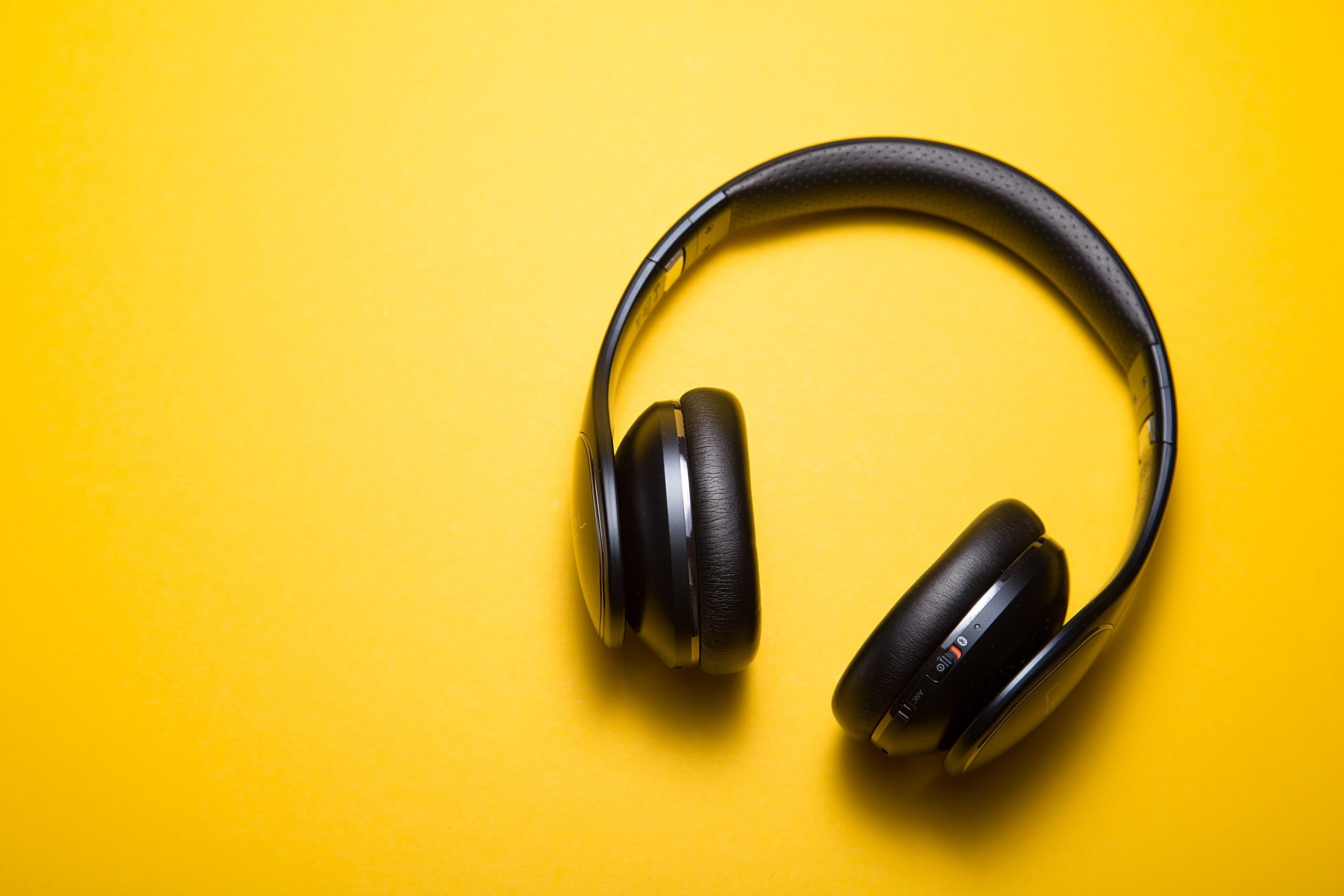 How to Sound GREAT for Your Remote Podcast Interview, Headphones